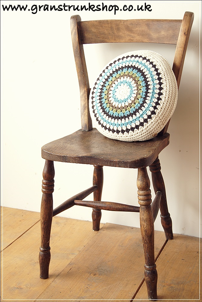Index together with 521713938052788067 additionally Koken 20wood 20barber 20chair likewise Upholstered Wine Barrel Chair in addition S271157. on oak chairs